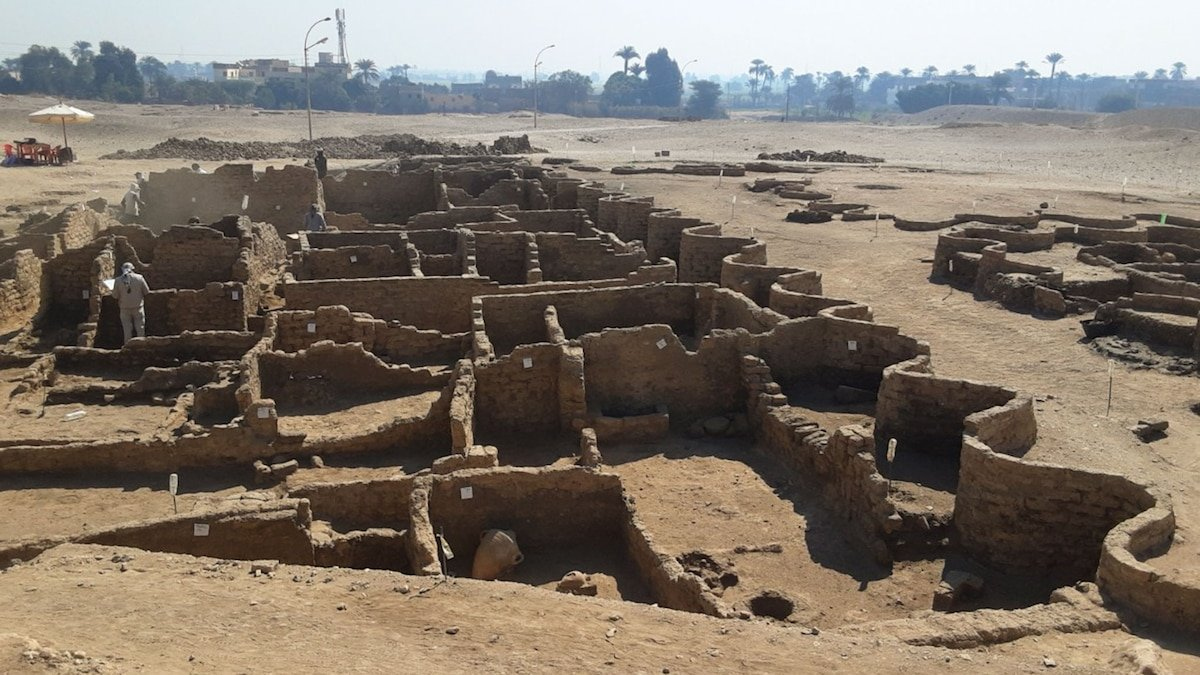 'Lost golden city of Luxor' discovered by archaeologists in Egypt