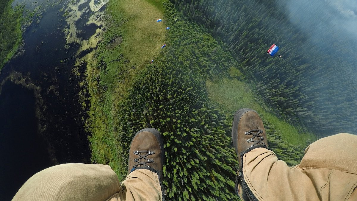 When wildfires break out, this elite team of 'smokejumpers' parachute in
