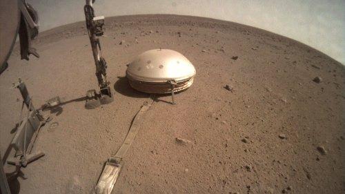 NASA's InSight spacecraft reveals first-ever peek inside Mars's center