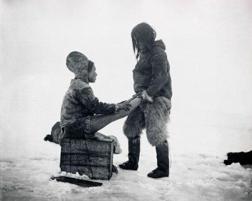 Galerie: Vintage-Fotos aus einem Winter voller Schnee und Eis