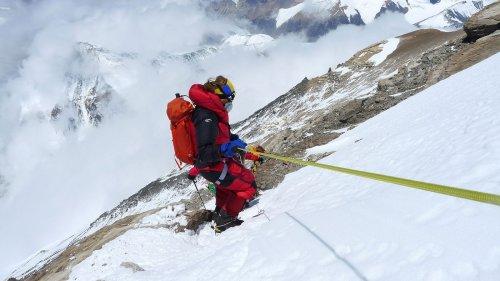 Pese a la prohibición del gobierno de Nepal, este escalador ciego está más decidido que nunca
