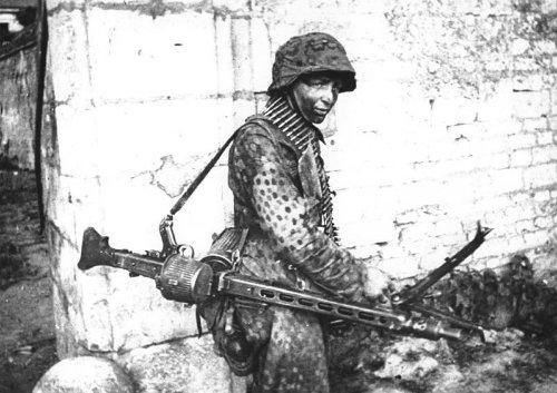 Hitler's Buzzsaw: The German Army Still Uses this 1940s-era Machine Gun