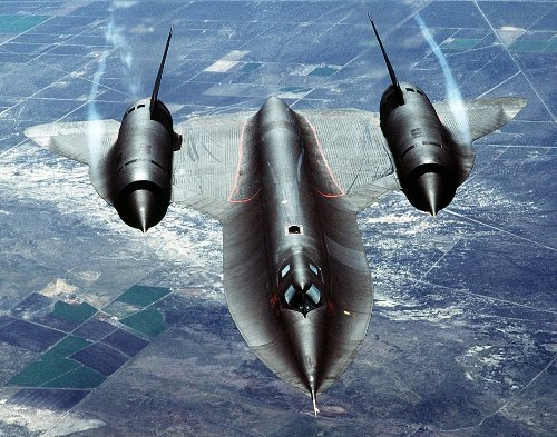 The SR-71 Blackbird Is So Fast That It Lights the Sky on Fire