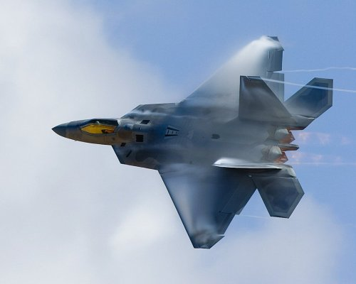 What Flying an F-22 Feels Like—a View from the Cockpit
