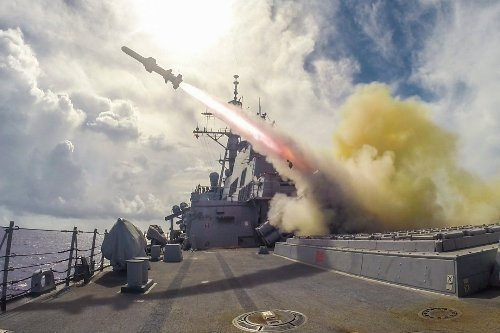 China vs. America: In 2034, a Distressed South China Sea Ship Started World War III