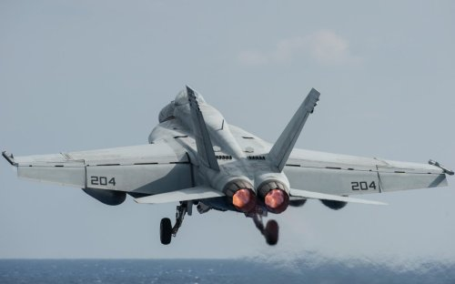 The U.S. Navy Loves the F/A-18E/F Super Hornet. Here's Why.