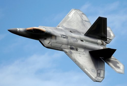 Is China Capable of Tracking and Shooting Down the F-22 Raptor?