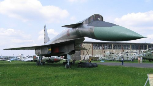 The Soviet Union's Sukhoi T-4 Was Too Little Too Late