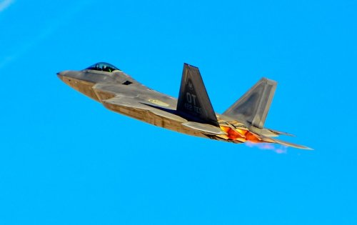 An F-22 Stealth Fighter Flew Under an Iranian F-4 Phantom (Undetected)