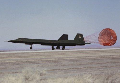 One Pilot Fell 80,000 Feet From an SR-71 Blackbird (Yes, Really)