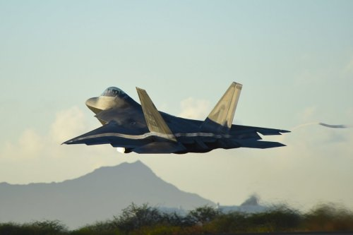 To Replace the F-22 Raptor, the Air Force Should Look to the F-23
