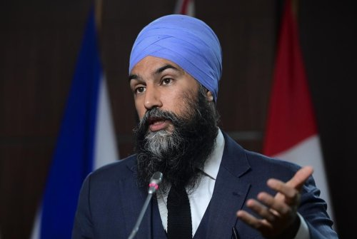 Singh talks with Indigenous leaders at residential school unmarked gravesite