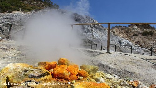 Activity at caldera near Naples linked to underground gas pressure