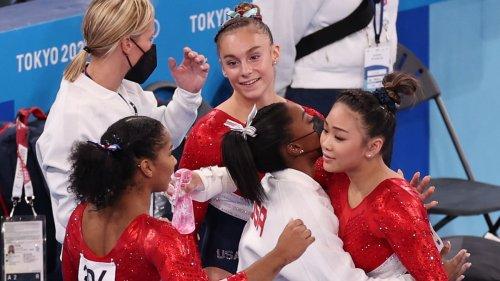 USA Gymnasts Lee, Chiles, McCallum Dedicate Silver to Biles