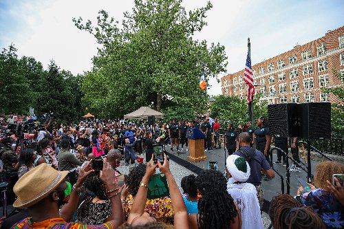 Federal Holiday Pressures Companies to Give Juneteenth Off