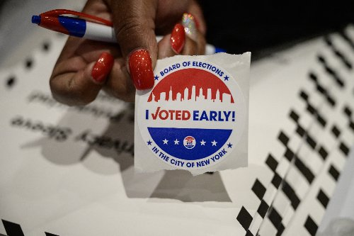 Candidates Crisscross NYC in Countdown Push on 1st Day of Early Voting