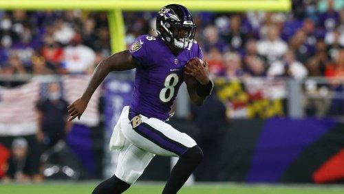 Patrick Mahomes' interception leads to Lamar Jackson touchdown