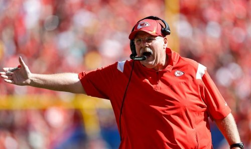 Report: Andy Reid leaves stadium in an ambulance after falling ill