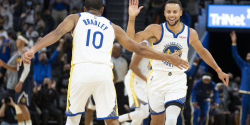 Report: Warriors cut Bradley against wishes of Steph, Draymond