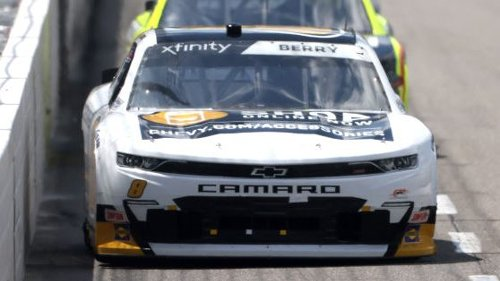 Josh Berry scores first career Xfinity Series win at Martinsville