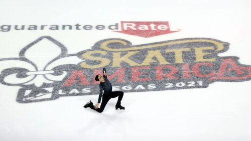 Nathan Chen stumbles to surprising fourth, while Vincent Zhou leads at Skate America