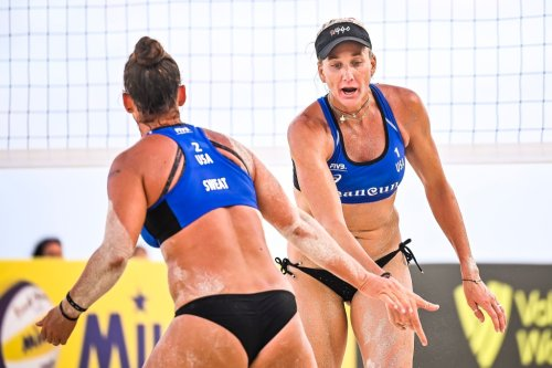 Kerri Walsh Jennings forced to pass the torch