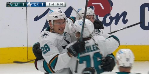 Sharks, Leafs start wild second period with a trio of goals