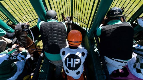 Jockey Mejia banned 10 years for using 'buzzer' at Monmouth Park