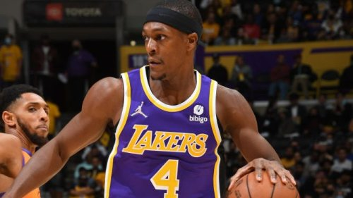 Courtside fan ejected from Lakers game for pushing away Rondo's hand