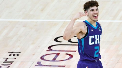 LaMelo Ball wins Rookie of the Year