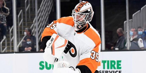 Jones will know his surroundings as Flyers face Canucks
