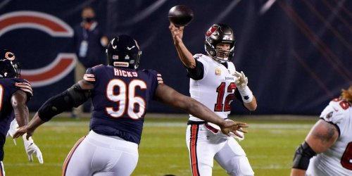 Tom Brady roasts Bears with another Aaron Rodgers joke