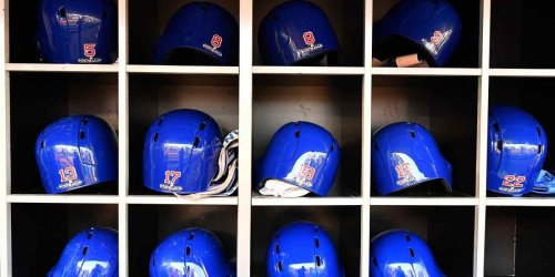 Cubs first base coach tests positive for COVID-19