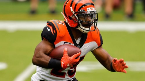 Bucs turned to Gio Bernard because of running back drops