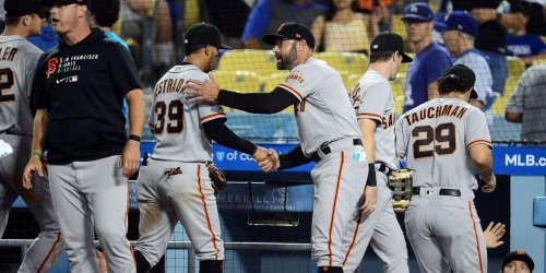 Chaotic Giants-Dodgers series makes modern MLB history