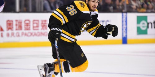 Former Bruin unvaccinated, uninvited from Jackets camp