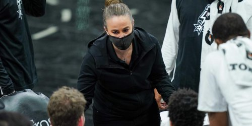 Report: Becky Hammon to interview for NBA head coaching jobs