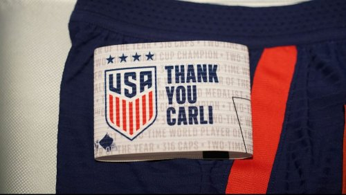 Carli Lloyd removes boots, tearfully subs off of final USWNT match (video)
