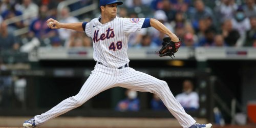 Jacob deGrom dominant after belt controversy, exits with injury