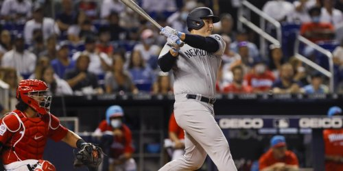 Rizzo called Ross on Yankees debut: 'I'm happy for him'