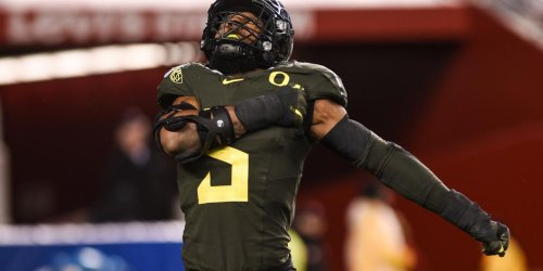 How the game of Chess has helped mold Oregon's Kayvon Thibodeaux