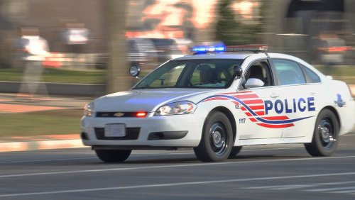 Navy Yard Personnel Told to Stay Clear of Building as Police Respond to Incident