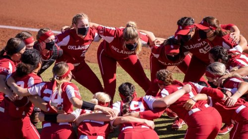 College softball rankings: Oklahoma continues to roll as No. 1 in NFCA poll
