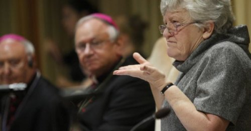 Francis officially creates Catholic ministry of catechist, open to men and women