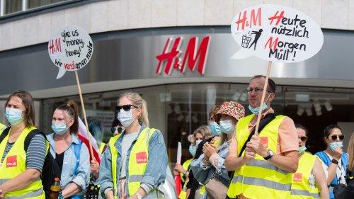 Warnstreik im Einzelhandel: Ver.di fordert höhere Löhne