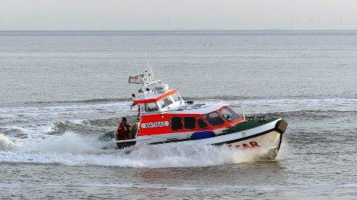Cuxhaven: Vier Senioren aus sinkendem Motorboot gerettet
