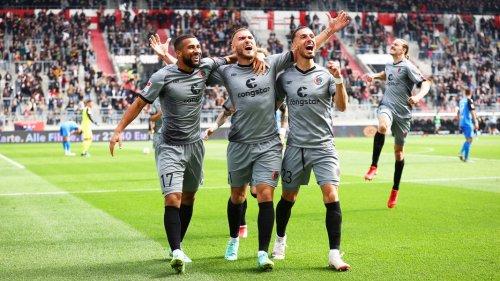 FC St. Pauli schlägt Ingolstadt und feiert mit seinen Fans
