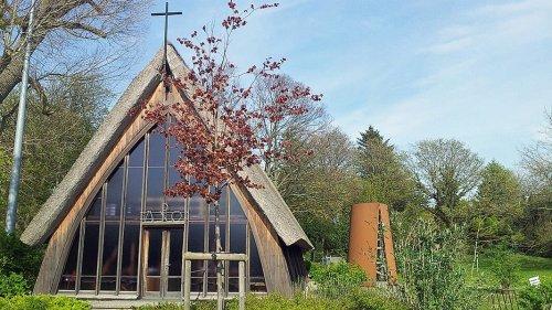 Schifferkirche Ahrenshoop: Von der Bretterbude zum Baudenkmal