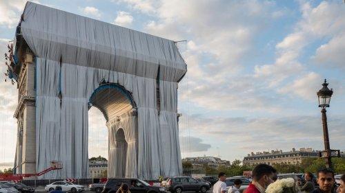 Christos Erbe - Der Pariser Triumphbogen ist verhüllt