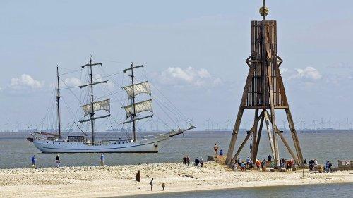 Cuxhaven: Strand, Watt und Schiffe